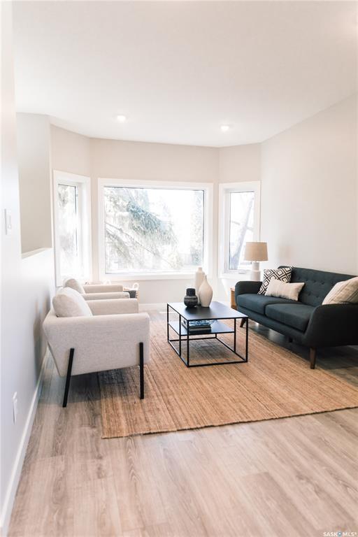 Real Estate Listing MLS SK789580
