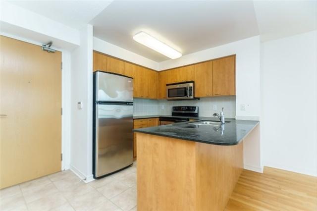 509 Beecroft Rd, Toronto, MLS® # C4096283