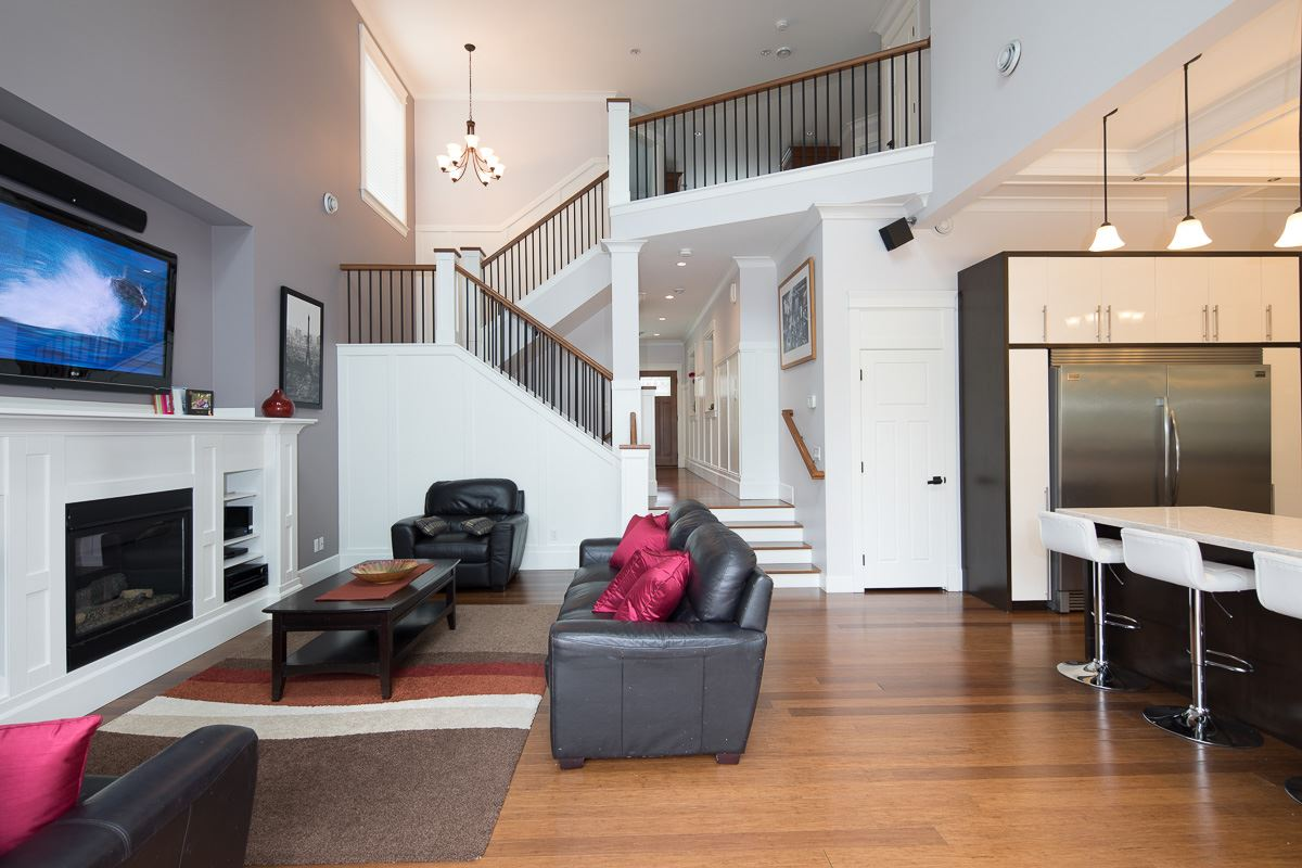 Real Estate Listing MLS R2374161
