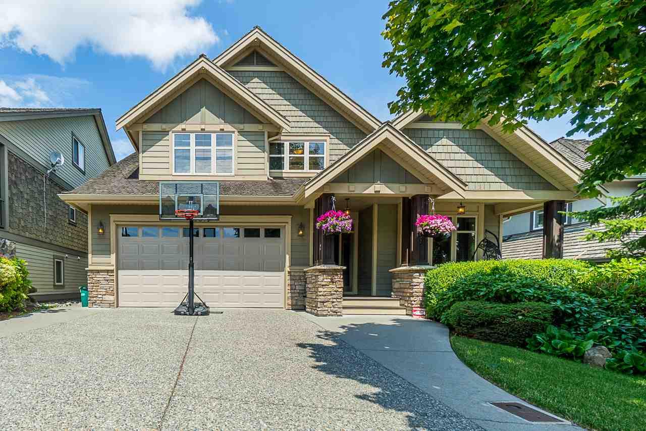 Real Estate Listing MLS R2388348