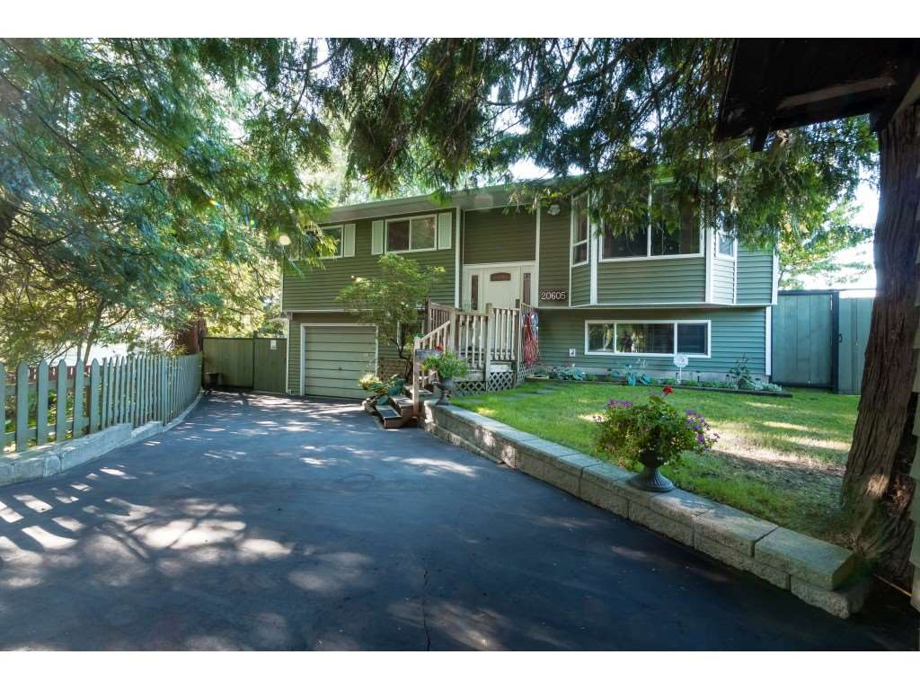 Real Estate Listing MLS R2388910