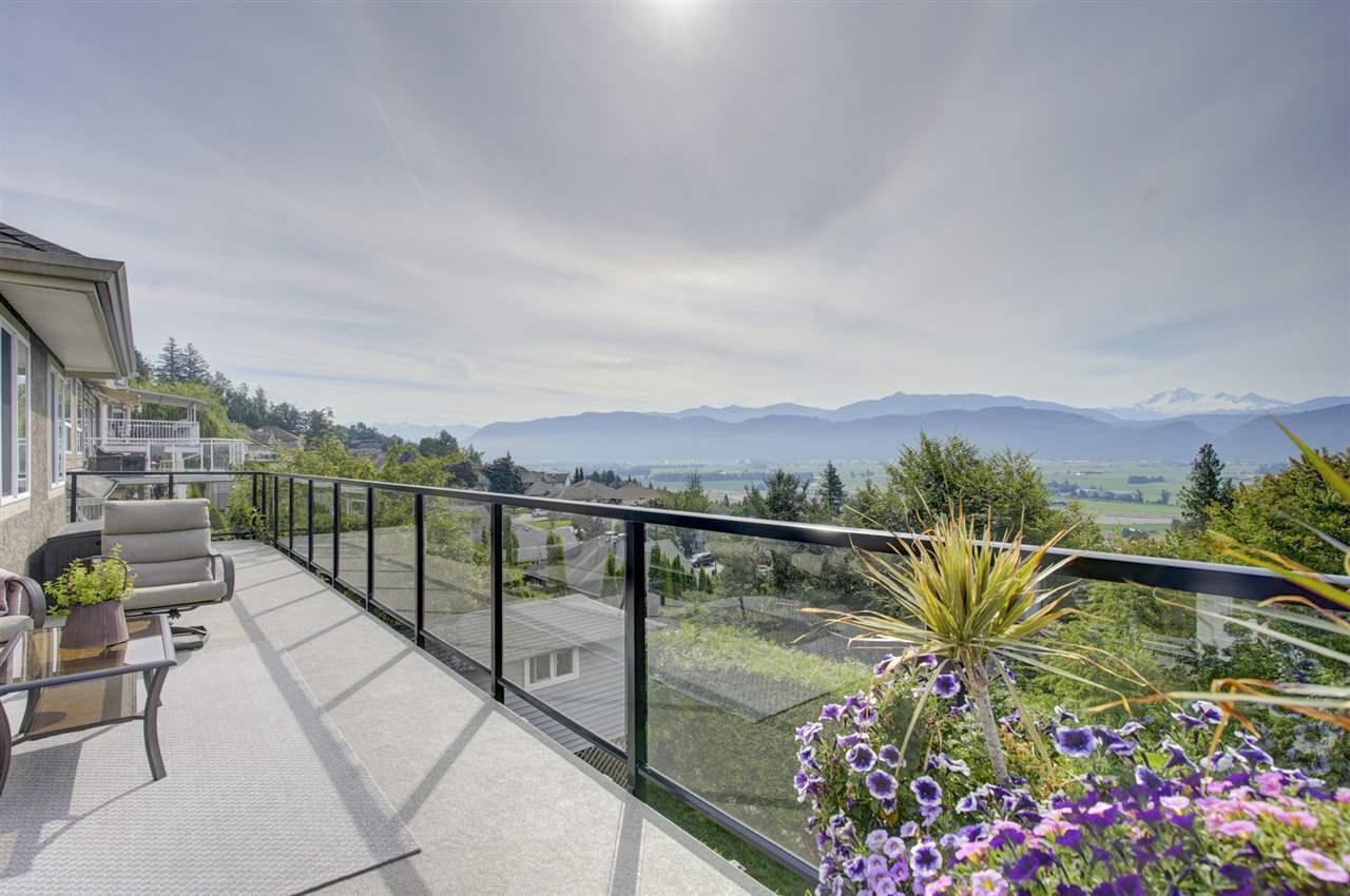 Real Estate Listing MLS R2389215