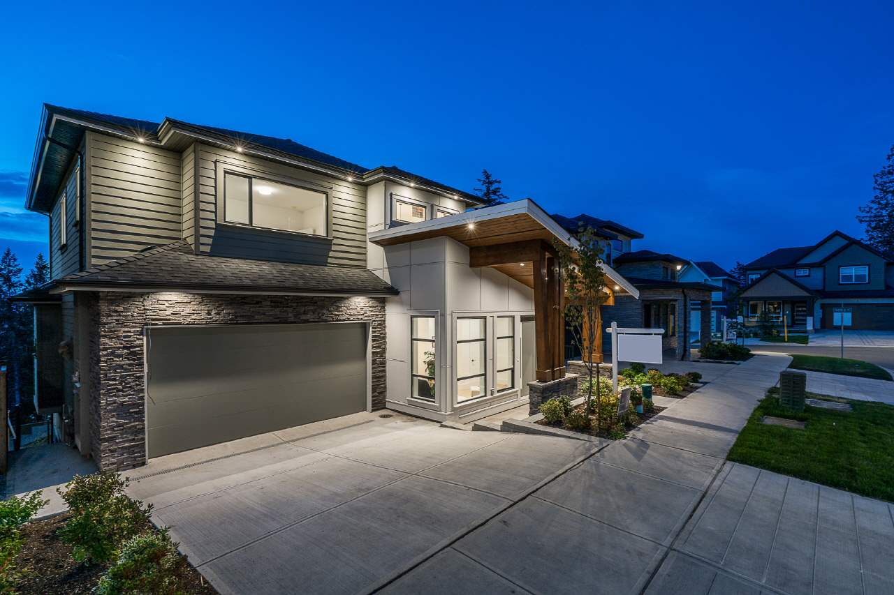 Real Estate Listing MLS R2390126