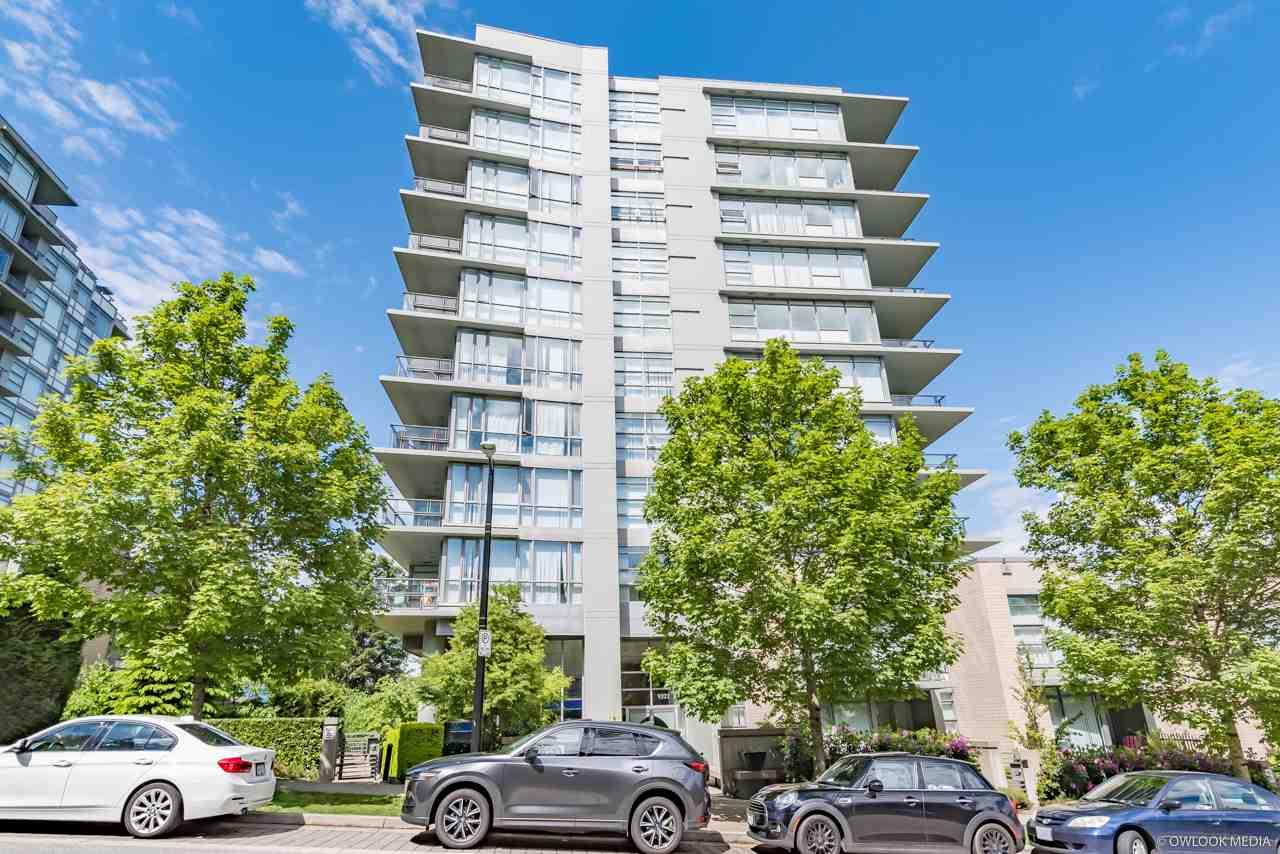 Real Estate Listing MLS R2398964