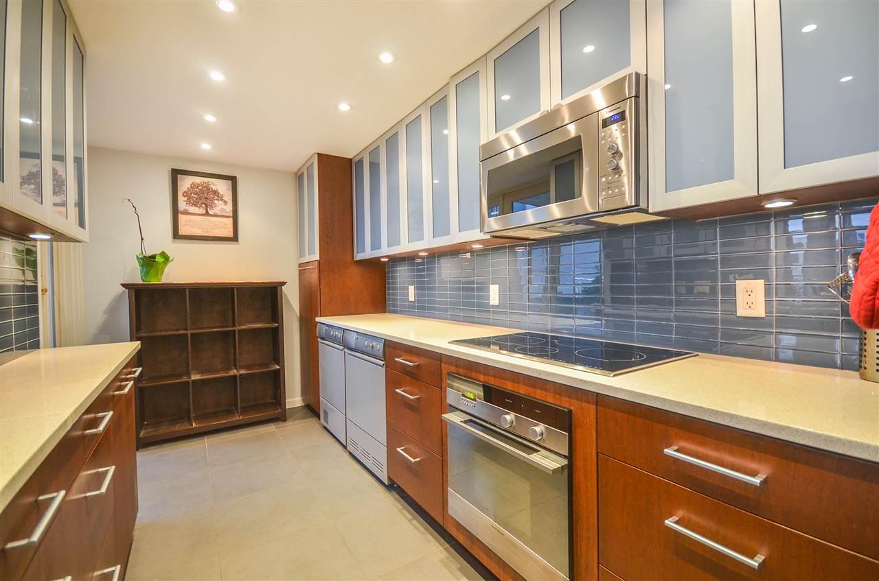 Real Estate Listing MLS R2399224