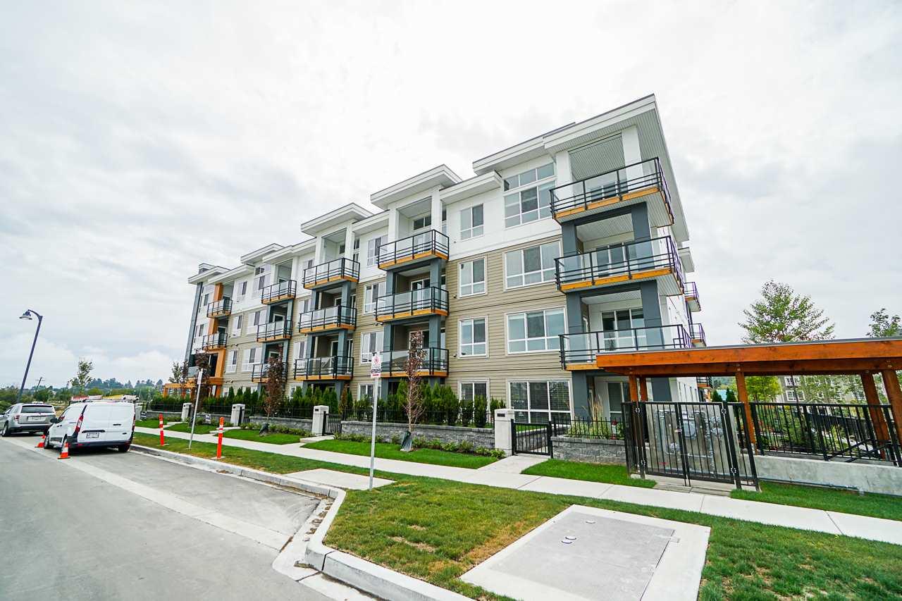 Real Estate Listing MLS R2400041