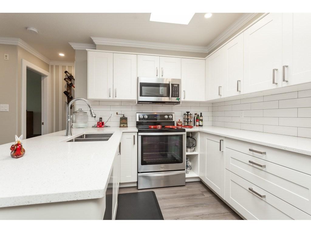Real Estate Listing MLS R2405186