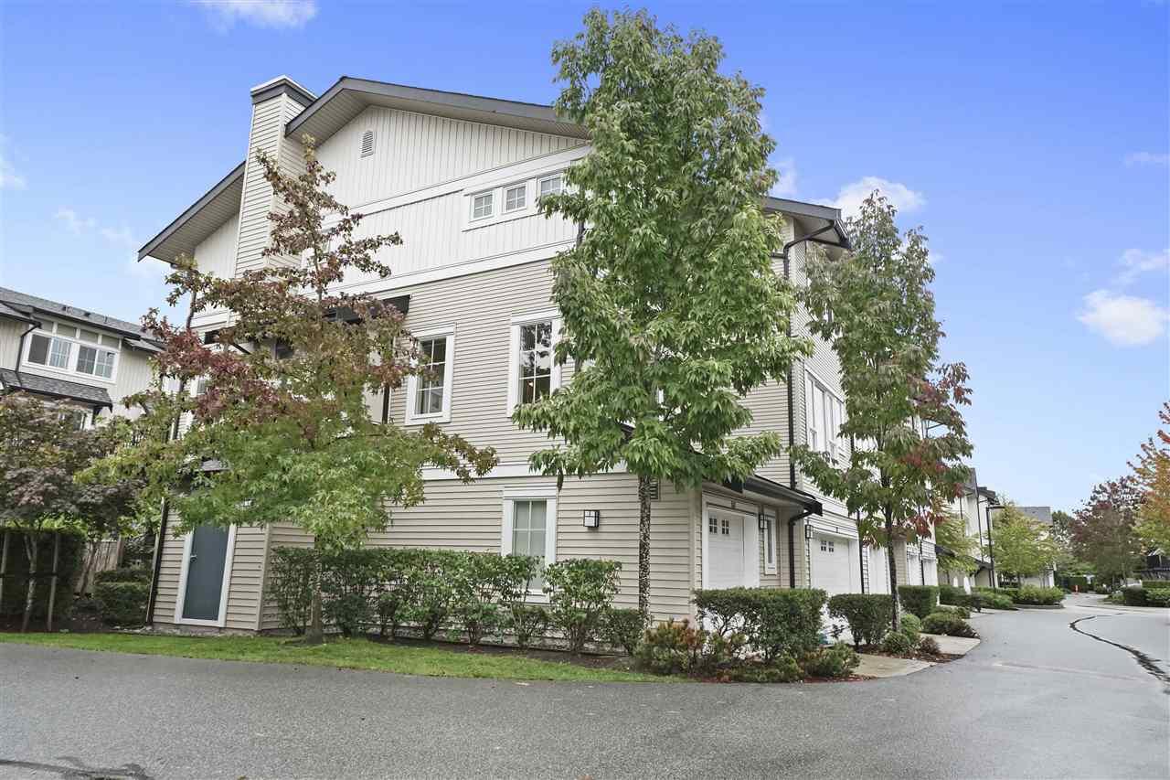 Real Estate Listing MLS R2405477