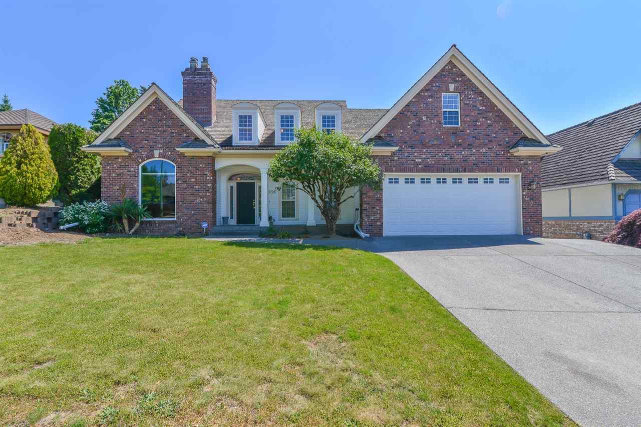 Real Estate Listing MLS R2413511