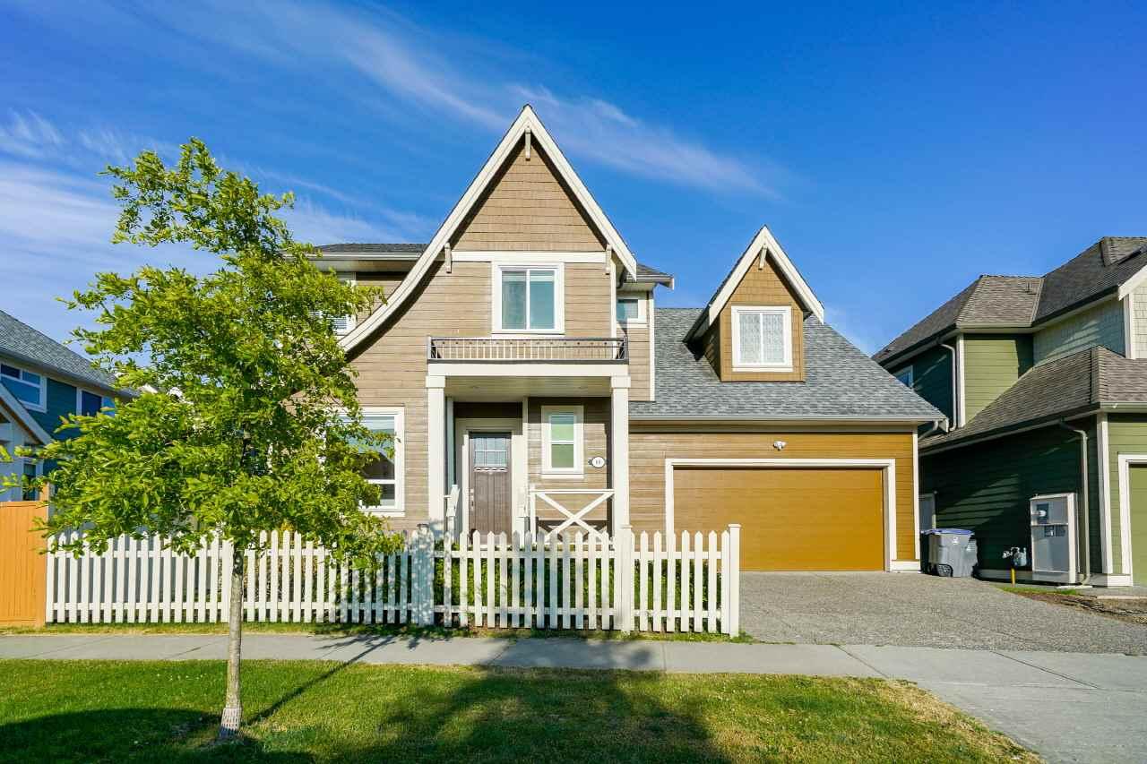 Real Estate Listing MLS R2413677