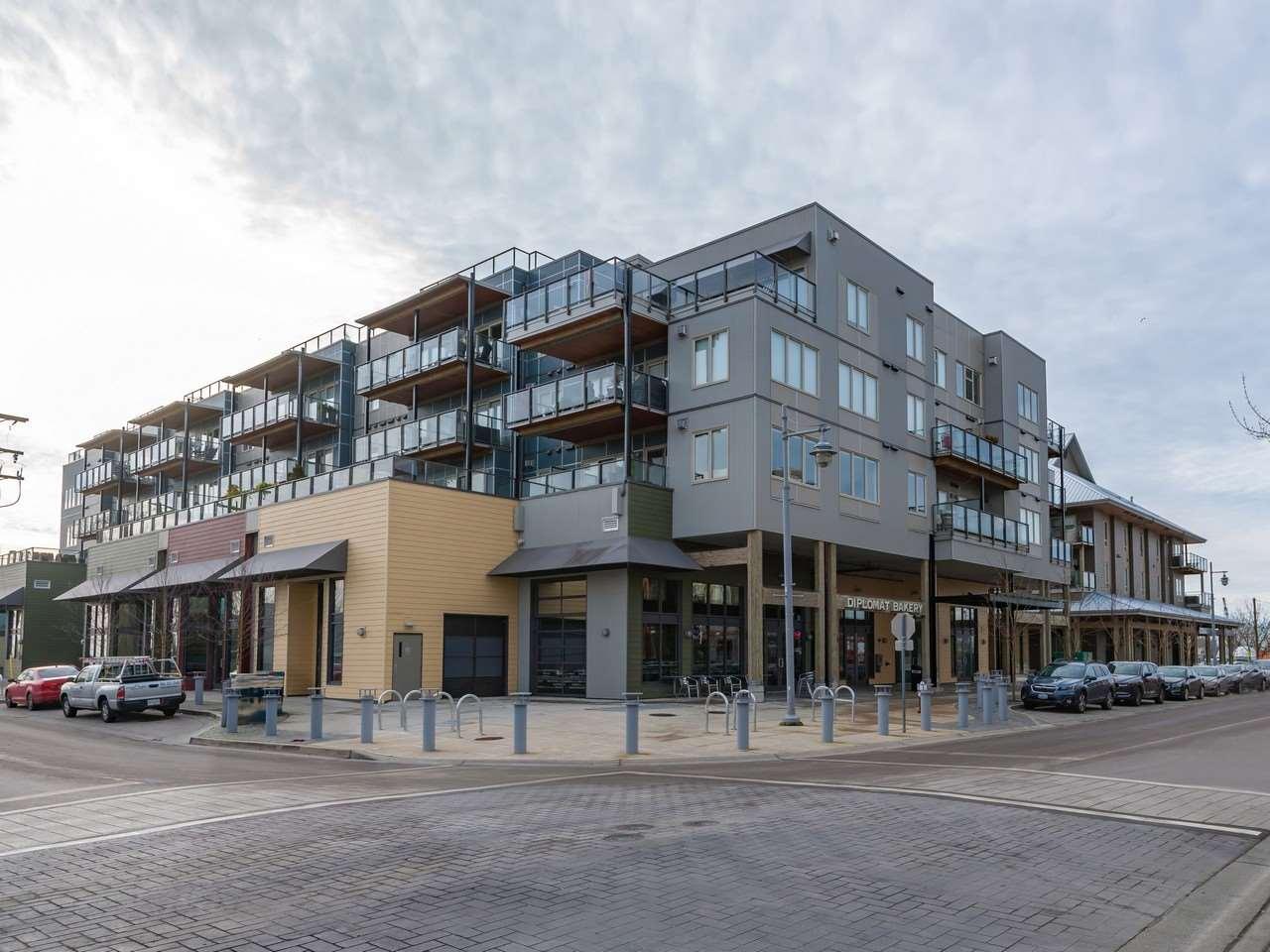 Real Estate Listing MLS R2414900