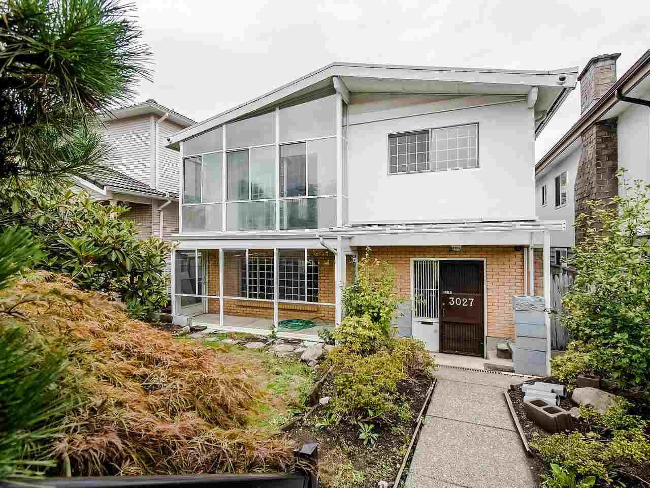 Real Estate Listing MLS R2418880