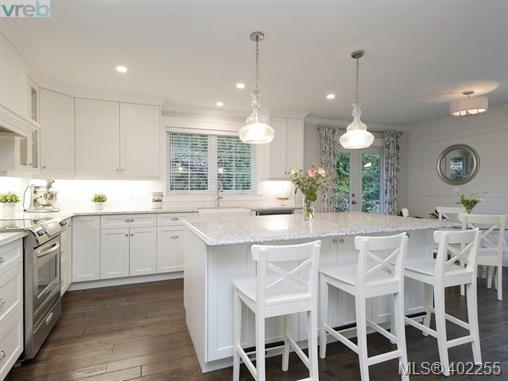 Real Estate Listing MLS 402255
