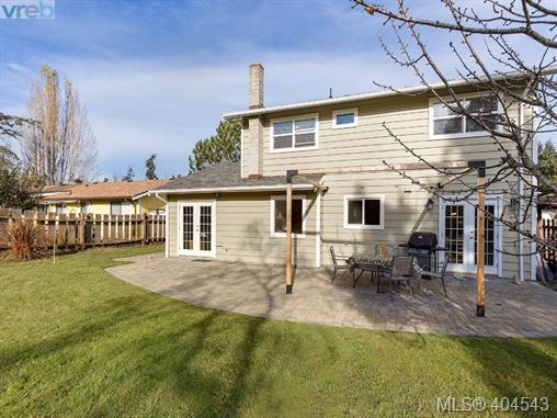 Real Estate Listing MLS 404543