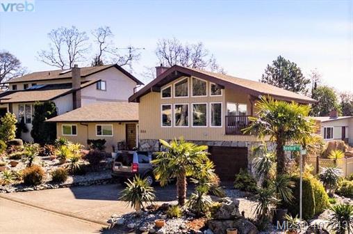 Real Estate Listing MLS 407343