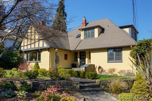 Real Estate Listing MLS 423929